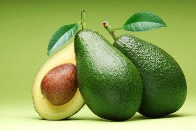 Abacates: frutas perfeitas para a sua fruteira
