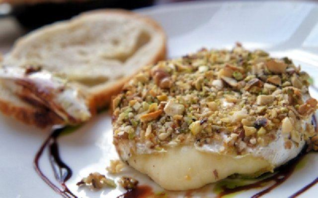 Algumas maneiras divertidas de se comer o queijo Camembert