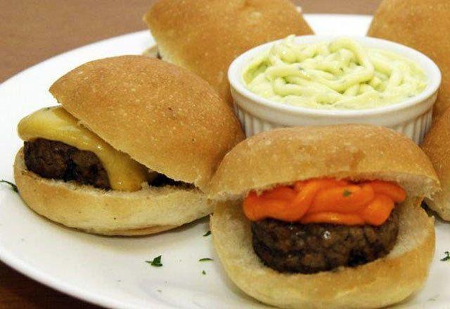Truques para fazer mini hambúrgueres