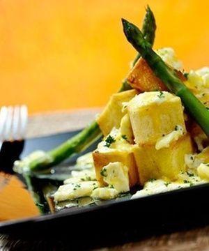 Ovos com Batatas e Aspargo