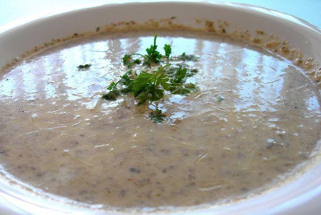 Sopa de Cogumelos com Creme de Ervas