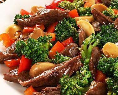 Carne com Brócolis para Almoço