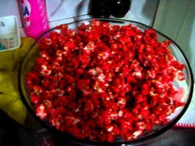 Pipoca doce vermelha