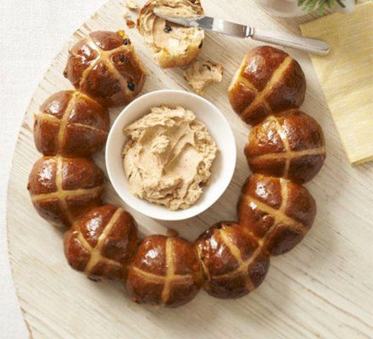 Anel Bolo transversal quente com manteiga de mel com especiarias