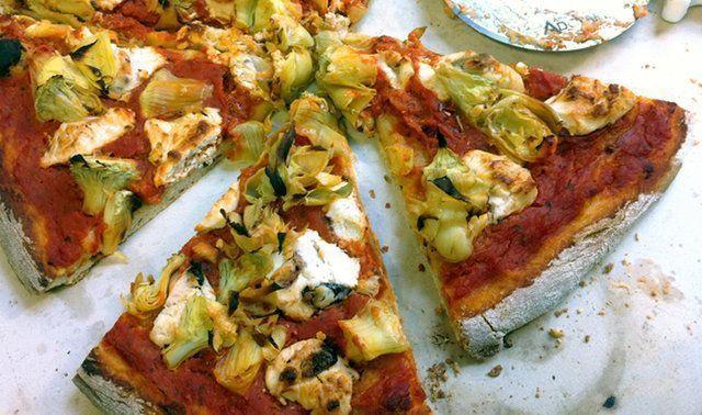 Pizza rústica do mediterrâneo