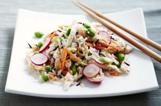 Salada de arroz com gengibre e limão