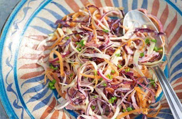 Salada mista de repolho e couve