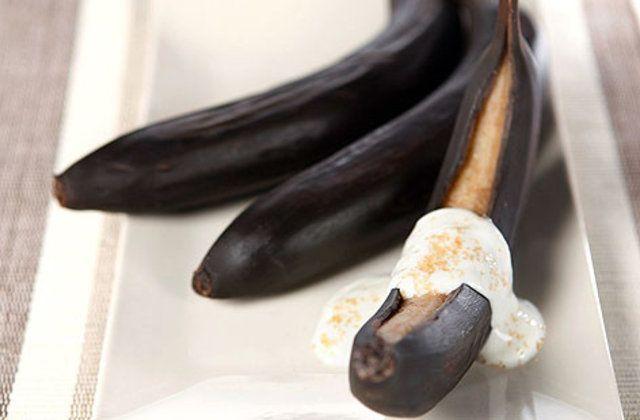 Bananas assadas com iogurte grego