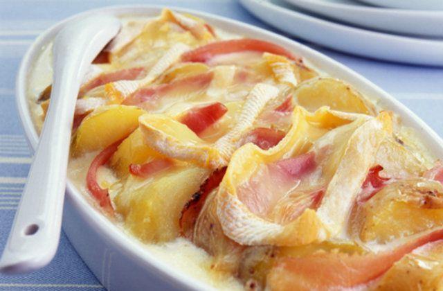 Batatas gratinadas com presunto e requeijão