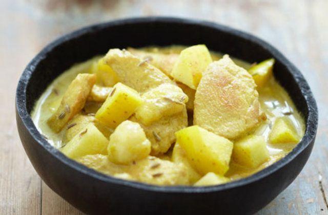 Frango, maçã e banana ao curry