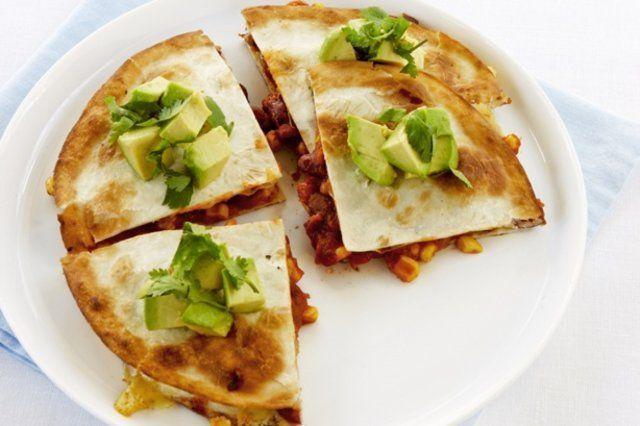 Sanduíches tortilha com feijão e milho