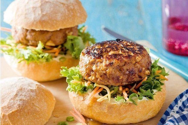 Hambúrguer de carne de porco e amendoim