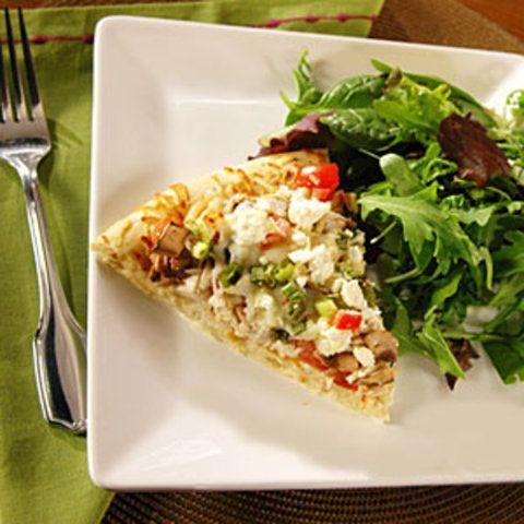 Pizza de alho, frango e queijos