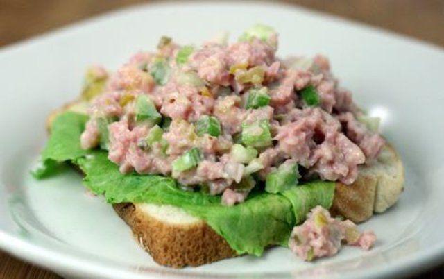 Salada de presunto com maionese