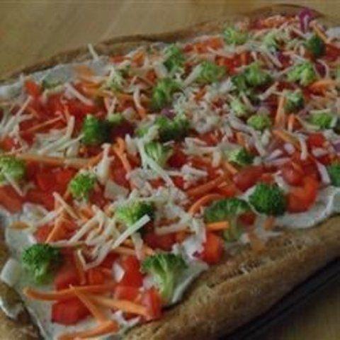 Pizza de vegetais com queijos