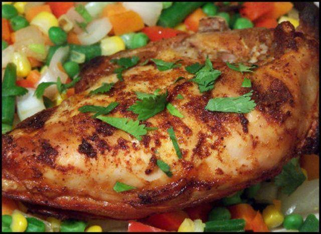 Peito de frango com grãos de milho