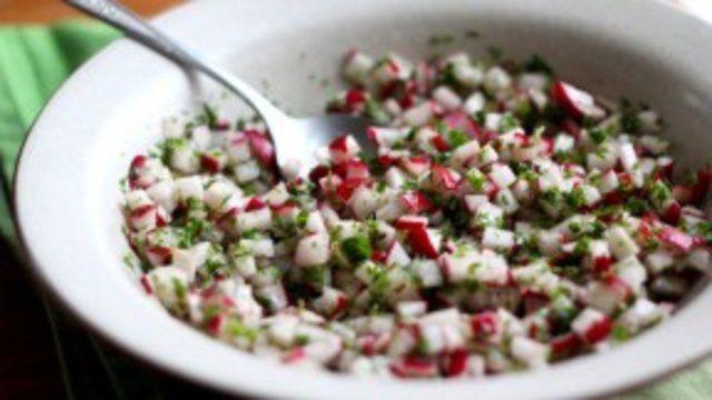Salada de rabanete com salsa