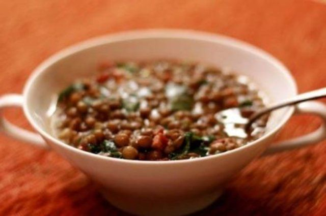 Sopa de lentilha e carne seca