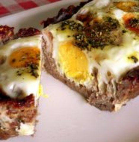 Torta de carne moída com ovo