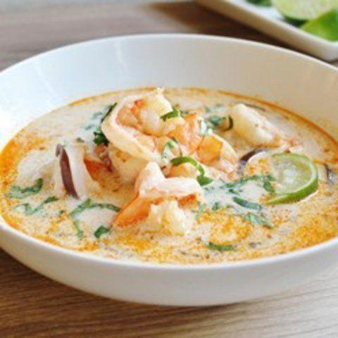 Sopa de camarão tailandesa
