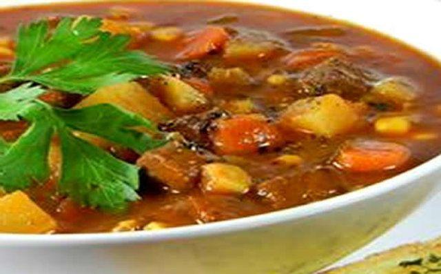 Sopa de carne e legumes