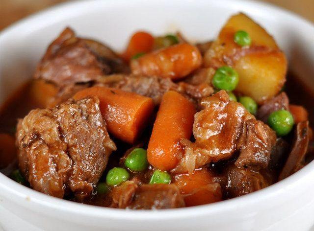 Músculo cozido com verduras