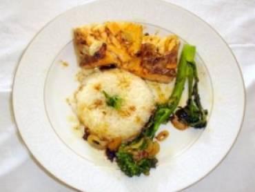 Salmão e brócolis ao molho de vinho e mel
