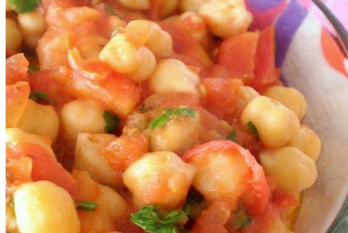 Cozido de Grão-de-bico com tomates