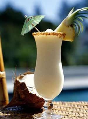 Bebida de Abacaxi e Coco