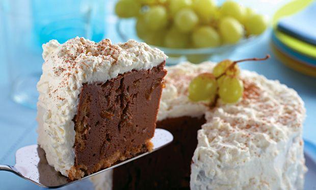 Charlote de chocolate e uva