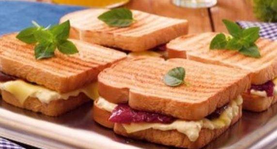 Sanduíche com Tomate Seco