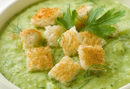 Sopa com Talo de Brócolis