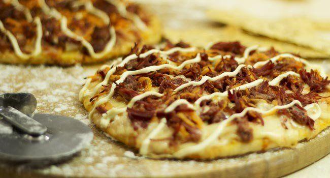 Pizza de carne seca com abóbora