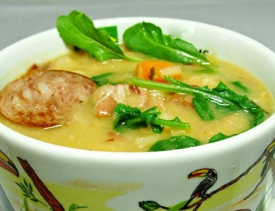 Feijão Branco com Carne Seca a Linguiça