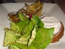 Salada de tomate seco e camembert