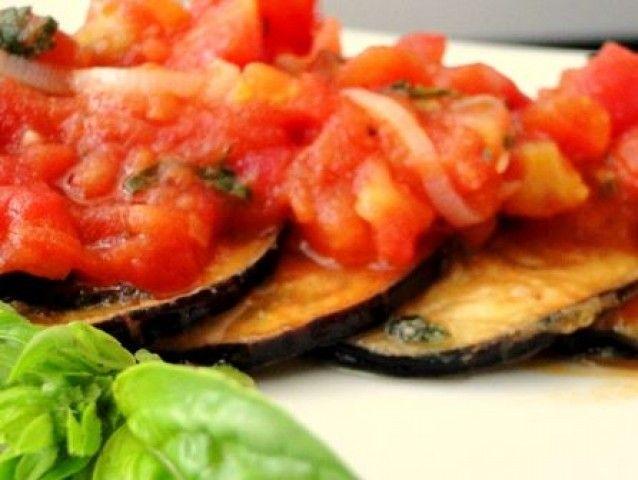 Berinjela Grelhada com Molho de Tomate