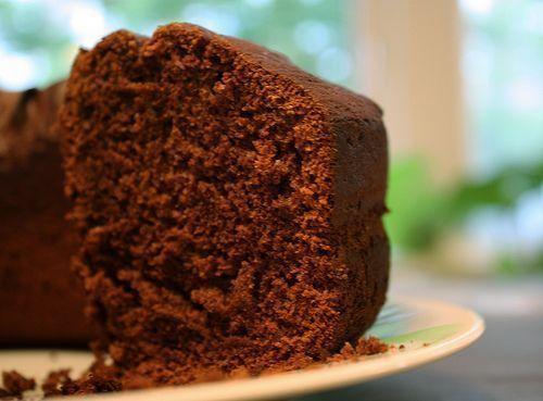 Bolo de chocolate com cobertura simples