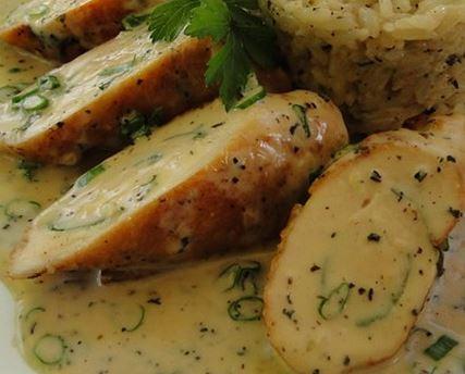 Frango Recheado com Salada de Batata