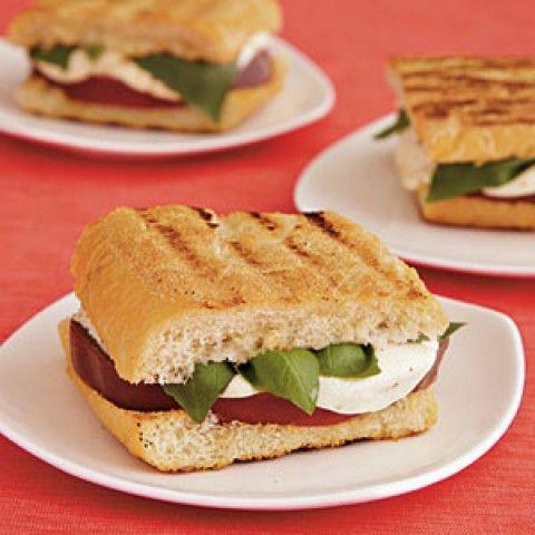 Sanduíches de Caprese