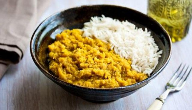Tarka dal com arroz