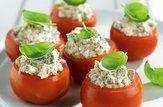 Tomates recheados com bacon, ricota e orégano
